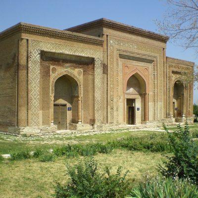 mausoleum Uzgen Kyrgyzstan kirgizie Kirgisistan
