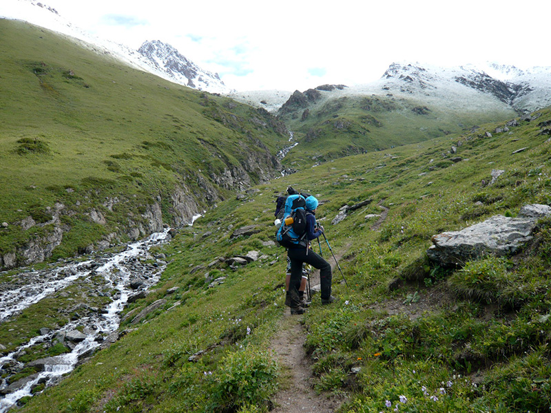 Hiking Kyrgyzstan wandern kirgisistan trekking kirgizie